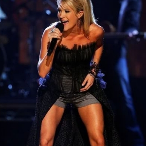 carrie-underwood-300